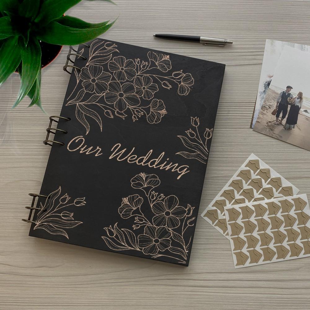 Дерев'яний фотоальбом з гравіюванням Наше весілля