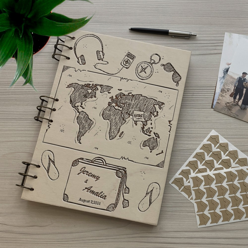 Дерев'яний фотоальбом з гравіюванням Подорож