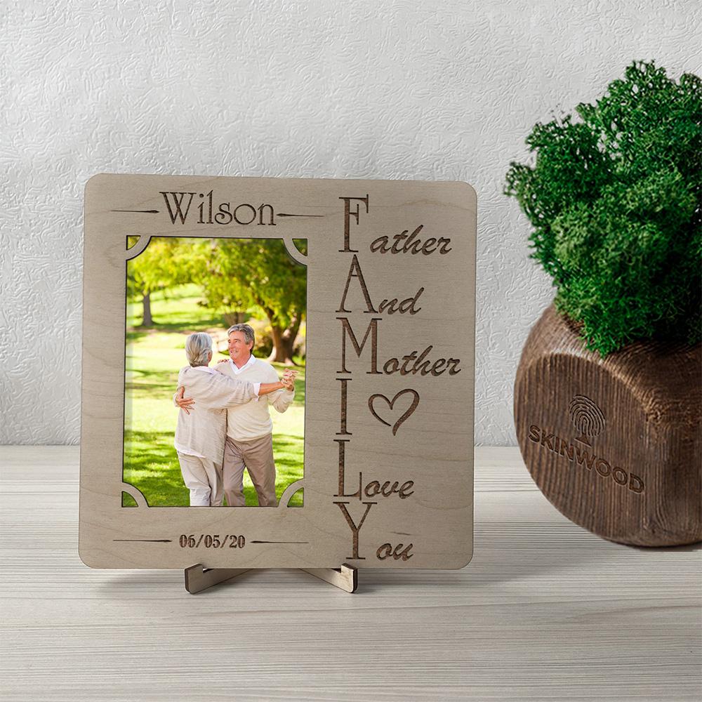 Фоторамка из дерева с гравировкой Family4