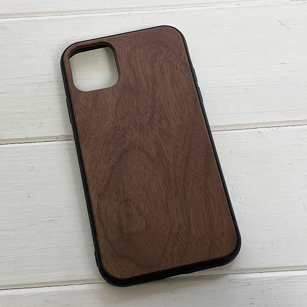Чохол на Айфон 11 з дерева