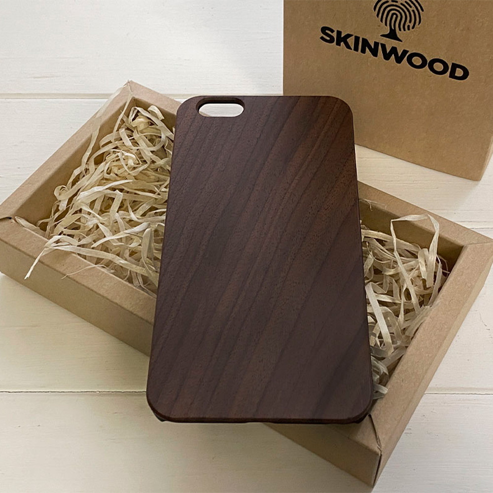 Чохол на Айфон 6 Plus з дерева