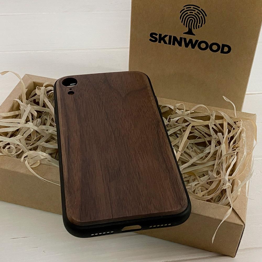 Чохол на Айфон XR з дерева