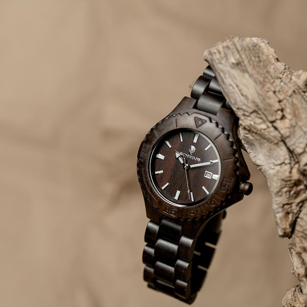 Наручний годинник з дерева BlackWood