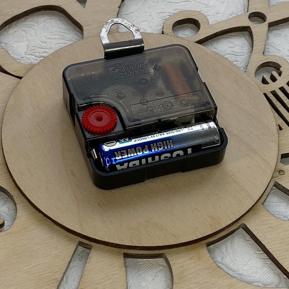 Настінний годинник з дерева Barbershop