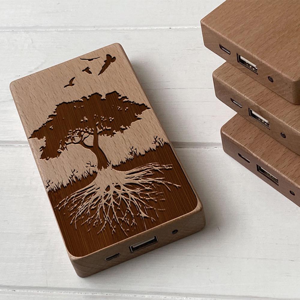 Повербанк з дерева та гравіюванням Дерево життя